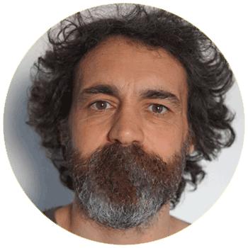 jeu des 7 erreurs : la barbe de benoit remplit sa bouche